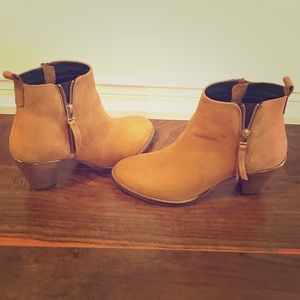 Steve Madden Womens Wantagh Ankle Booties